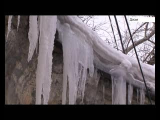 Дворник одного из барнаульских детских садов погиб под лавиной снега и наледи с крыши.