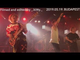 ONE OK ROCK- TAKING OFF . IN BUDAPEST FANCAM HD