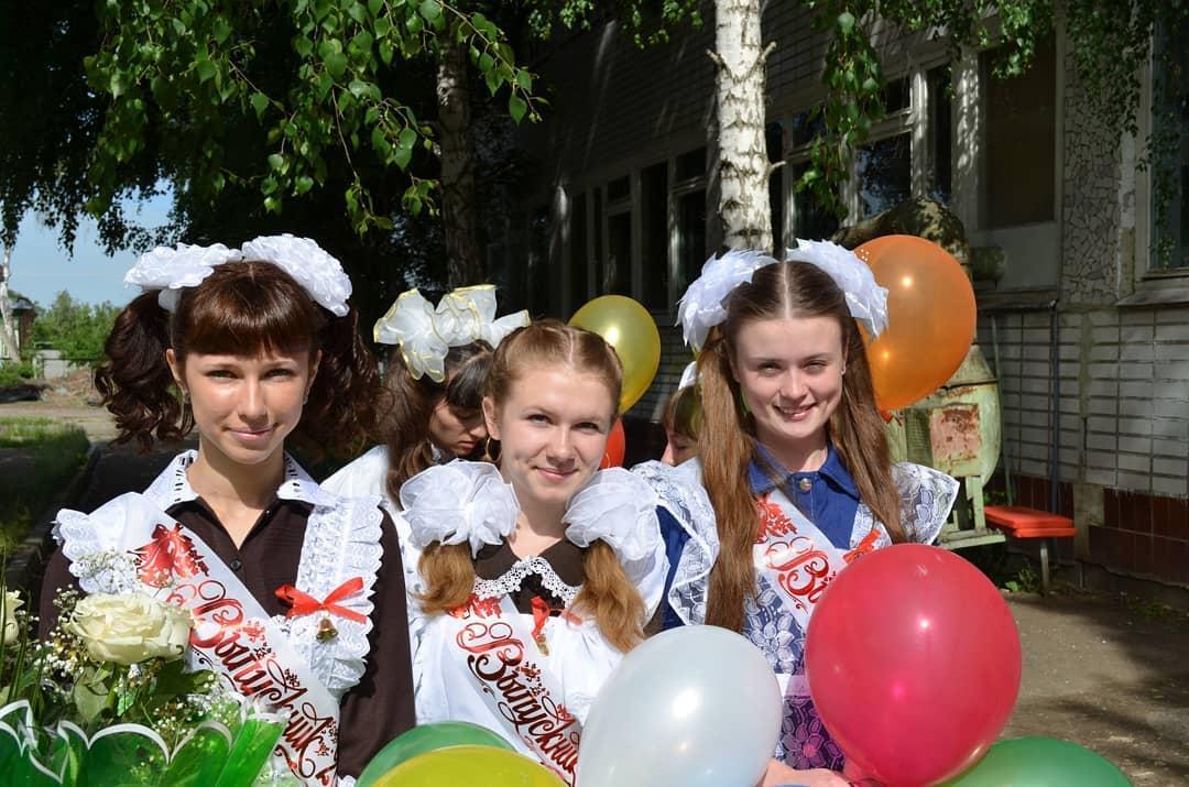 Сегодня в онлайн-режиме завершается учебный год для 245,2 тысячи школьников Саратовской области
