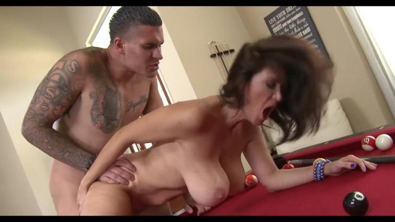 Сын трахает мамину подругу, sex fuck porn mom old mature woman busty ass son friend young cock (Инцест со зрелыми мамочками 18+)