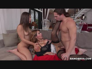 Bella Danger,Mia Ryder - Stepdaughter gets a lesson in fucking