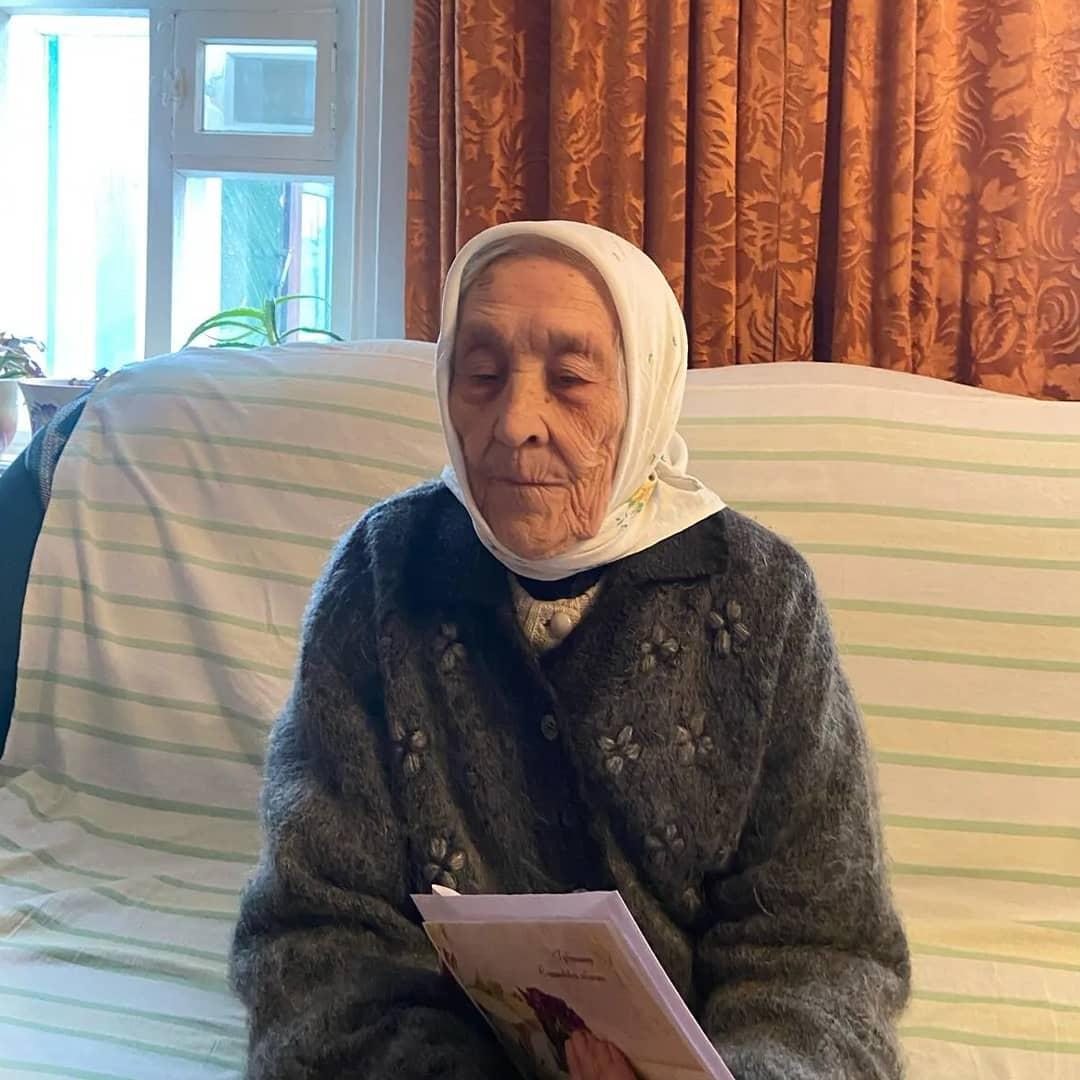 Сегодня 90-летний юбилей отметила труженица тыла из Петровска Валентина Ивановна КОЗЛОВА