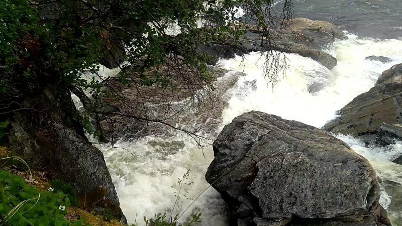 Мельничный водопад на Титовке