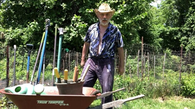О жизни американского эмигранта пенсионера тяжким трудом зарабатывающего на существование