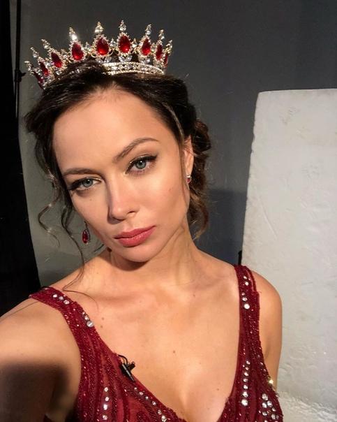 Великая актриса, Настасья Самбурская заявила, что не планирует опускаться до уровня «простого работяги»