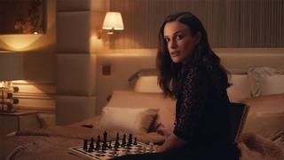 Keira Knightley pour Coco Mademoiselle L'eau Privée de CHANEL (2020)