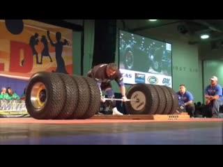 Жидрунас Савицкас тянет 525 кг
