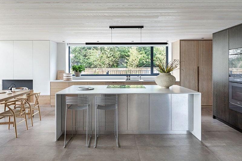 Современный загородный дом с видом на долину Темзы в Англии || 01