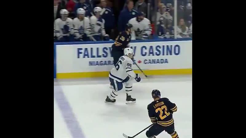 Егор Коршков провел дебютный матч в чемпионате НХЛ