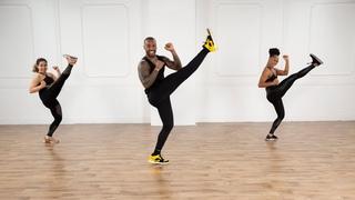 30-минутная кардио танцевальная и кикбоксинг тренировка. 30-Minute Dance and Cardio Kickboxing Workout