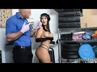 Элегантная воровка была трахнута охранником магазина (Alina Belle,инцест,milf,минет,секс,анал,мамку,сиськи,PornHub,порно,зрелую)