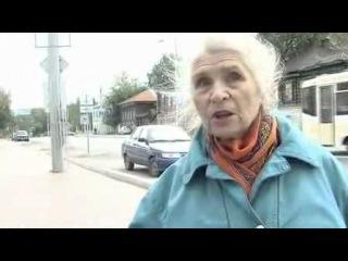 Вот позитивная бабуля! Умная, с нереально красивыми чертами лица и добрыми глазами.