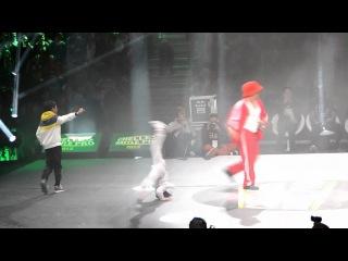 CHELLES BATTLE Pro 2013 Baby Battle 1vs1 Break Dance дети!))