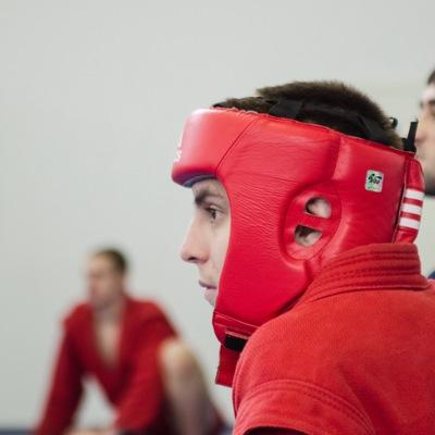 Артем Ненахов