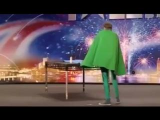 Британская Минута Славы и её необычный участник. смотреть приколы онлайн.