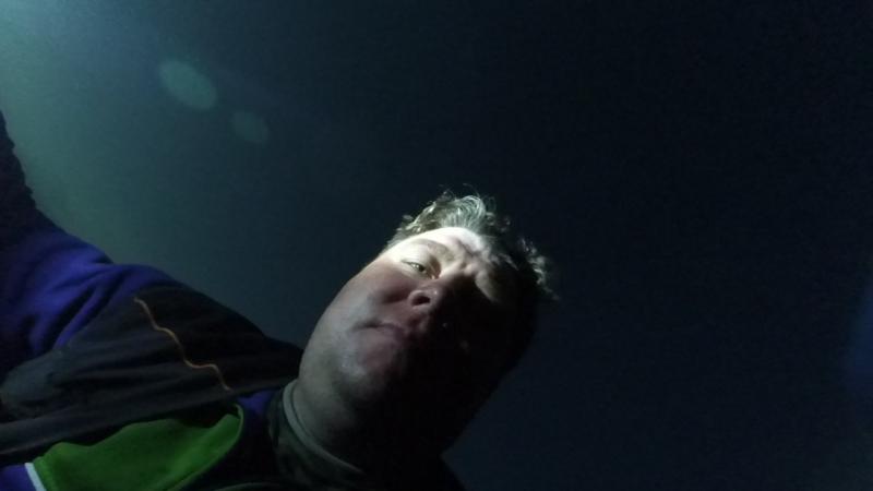 Ночная авантюра, до ближайшего берега метров 500…на надуве без мотора, так делать опасно…до встречи с Сурским чудовищем 15 мин