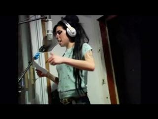 Amy Winehouse & The Dap-Kings recording ''Valerie'' (2006)