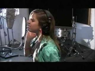 Roxy Hunter sing