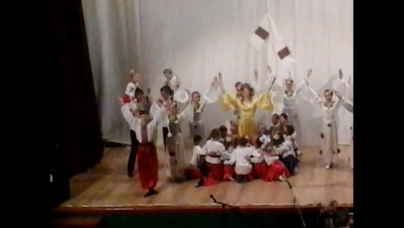 Танцювальний колектив Намисто Україна це ти В Тисмениці