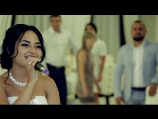 Зачитала реп на своей свадьбе))))