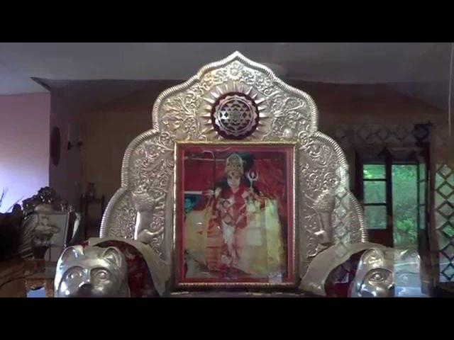 In the house of Shri Mataji in the village of Naddi (Dharamsala) У Шри Матаджи (Дхарамcала)