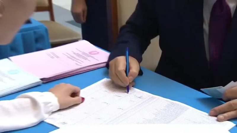 Мемлекет басшысы Астана қаласындағы № 81 сайлау учаскесінде ҚР Парламенті Мәжілісіне және мәслихатқа сайлауда дауыс берді