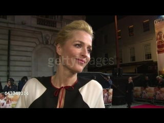 Nterview gillian anderson on her character, the movie and the story behind the movie at viceroys house uk premiere