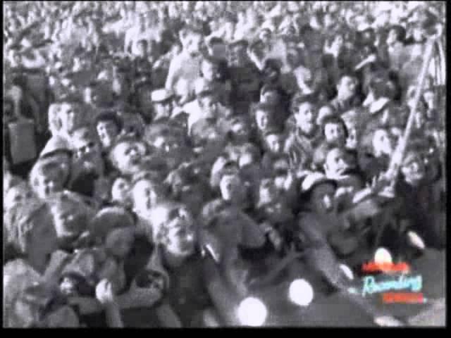 Tupelo 1956 ‐ Elvis Presley