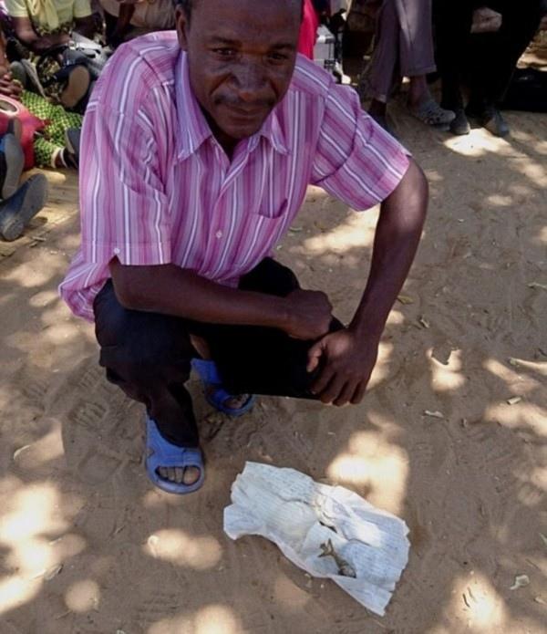 В Зимбабве женщина родила... лягушку. Шокирующий контент!, изображение №2