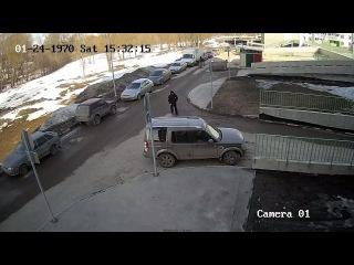 ▶ Автоледи избила мужчину, который пытался сфотографировать ее автомобиль