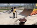 Трюки на самокате в скейт-парке на Новой Набережной