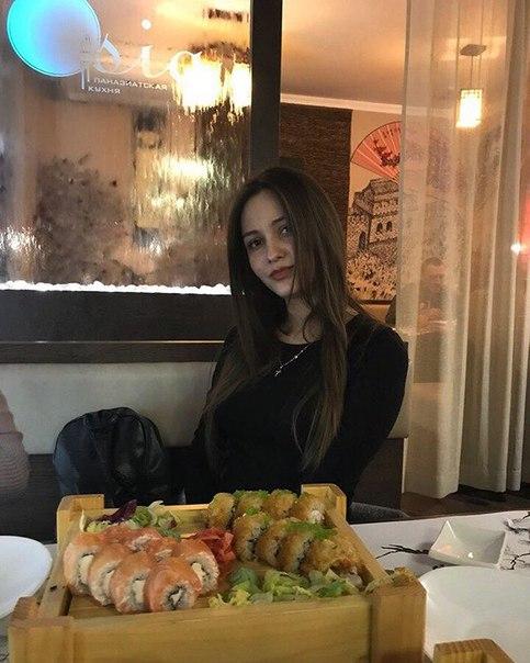 Катя Бруховецкая: Самые вкусные суши kafe_azija_brest 🍱❤️