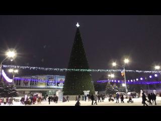 Новая барнаульская городская елка (à la московская) на пл. Сахарова. Видеоролик 3