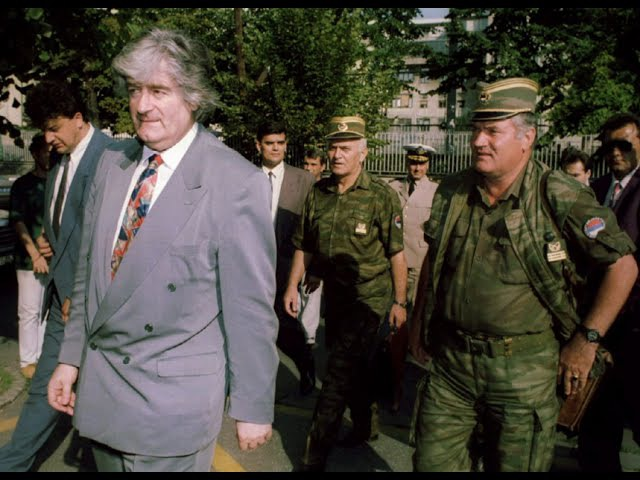 Radovan Karadzic i Ratko Mladic na kosidbi na Romaniji 1994 Nema predaje