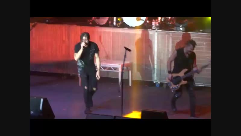 Three Days Grace - Just like you (Matt and Brad are fighting just like kids :D) Kiev, Ukraine, October 26th, 2018