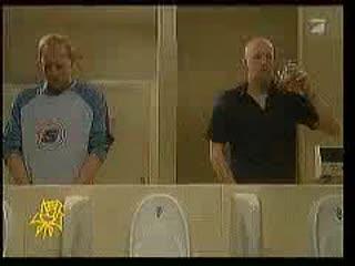 Мужской Юмор в туалете
