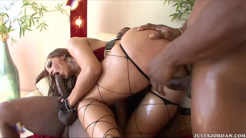 Kelly Divine Big Tits, Big Ass, Anal, Oil, Interracial, Double Penetration, DP, Reverse Cowgirl, Blowjob,