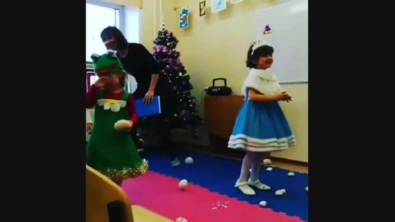 Веселье в нашем центре продолжается 🎄🎆🎁 Кому не хватает новогоднего настроения 🐰🐸⛄ ☎ 375 90 78 🏢 Тюленина 22 м н Родники