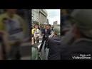 Вот так на митинге люди встретили журналиста канала РОССИЯ 1. москва митинг протест люди россия