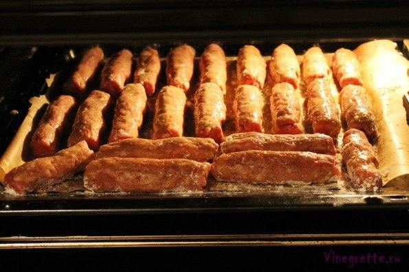 Магілёўскія каўбаскі/ Могилевские колбаски А у меня теперь есть вариант, который, кажется, имеет все шансы войти в меню «на каждый день» наравне с котлетами и тефтелями. По сути, это своего рода