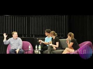 Eliza Taylor with Bob Morley and Tasya Teles at Montreal Comic Con