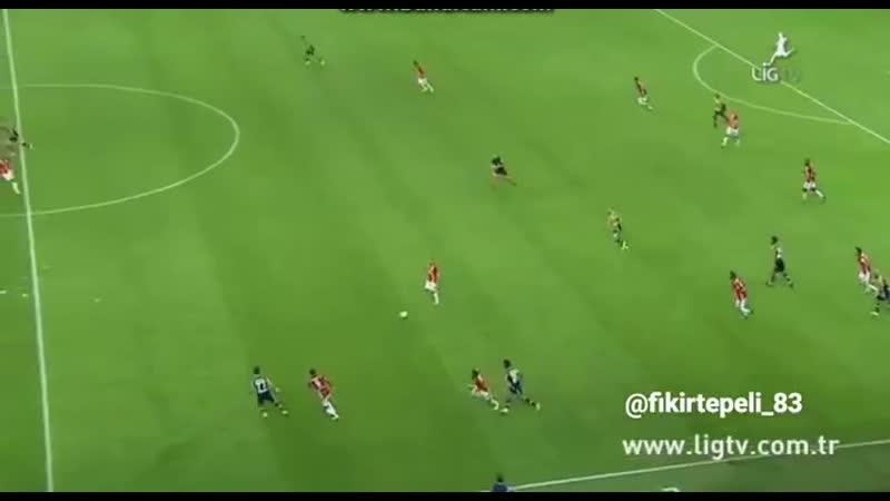 @ChampionsLeague @sneijder101010 Wesley Sneijder unutamadığım maç - - İki gol attığım Fene