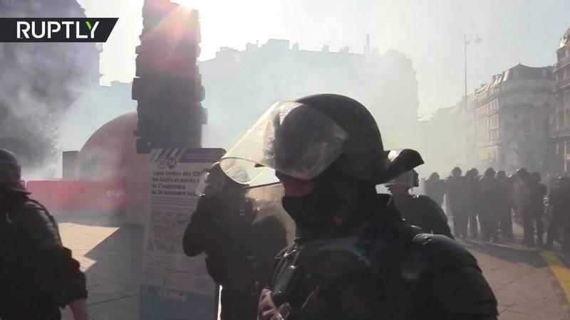 Week 45: Yellow Vests tear-gassed in Paris