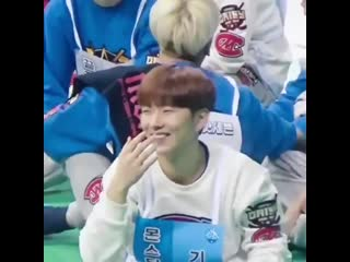 Remember when kihyun played rock paper scissors with monbebe i love him