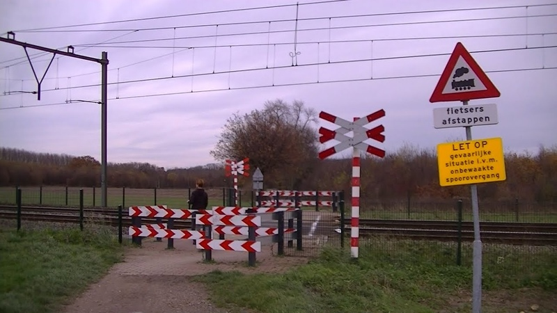 Spoorwegovergang Geleen Dutch railroad crossing
