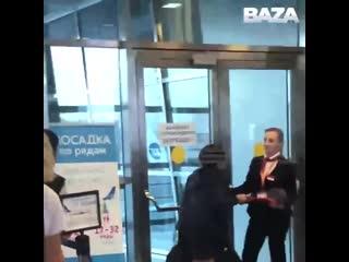 Сотрудницы авиакомпании Победа устроили настоящую пытку пассажирке