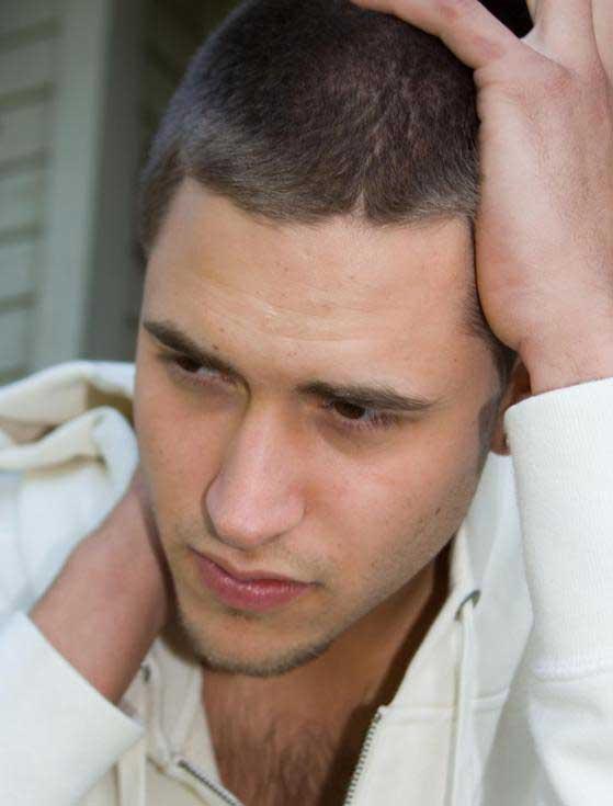 Любой мужчина в любом возрасте может страдать от эректильной дисфункции.