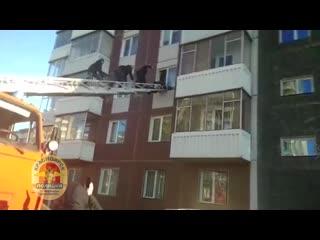 Проститутка выпрыгнула с 3 этажа, спасаясь от насильников