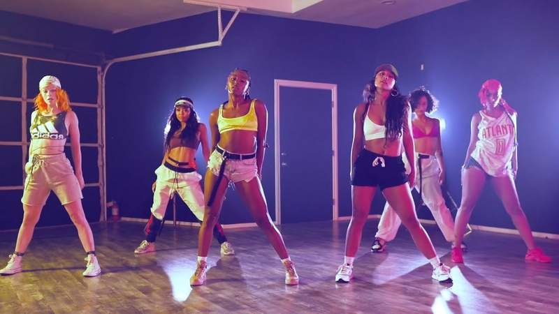 Major Lazer - Que Calor (feat. J Balvin El Alfa) (Official Dance Video)
