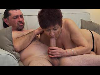 ПОРНО -- ЕЙ 64 -- ТРАХАЕТ СТАРУХУ БЕЗ ЛЮБВИ -- granny porn gilf sex -- Karina W